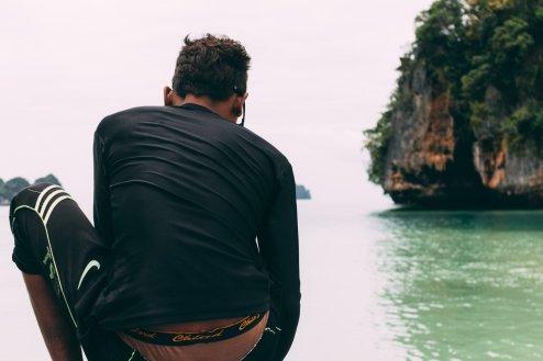 Speedboat ride to Hong Island