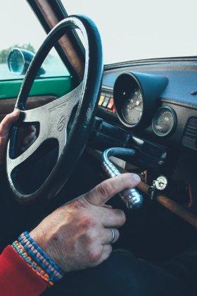 Schalten im Trabi - Am Lenkrad
