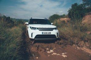 Land Rover Discovery am planschen