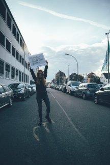 Livia schwelgt in Erinnerungen und sagt #TschüssAuto!