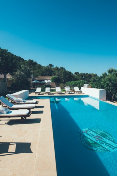 Mit uberding und San Miguel nach Ibiza!