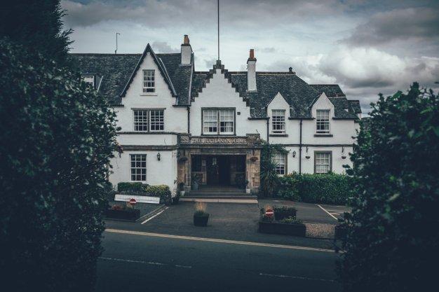 The Buchanan Arms Hotel in Dramen