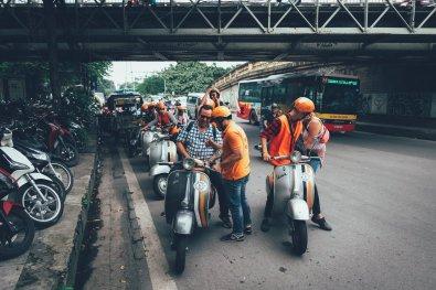 Stop an der Long Bien-Brücke