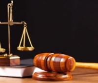 Суд взял под стражу мать убитой 5-летней девочки
