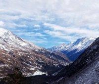 При восхождении на Эльбрус погиб украинский альпинист - МЧС России