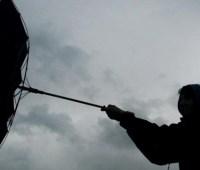Штормовой ветер сохраняется в семи областях и Киеве