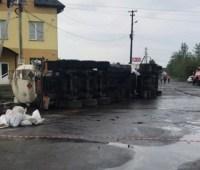 На Ивано-Франковщине перевернулся бензовоз с 38 тоннами горючего