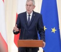 """Президент Австрии связал выполнения """"Минска"""" с выборами в Верховную Раду"""