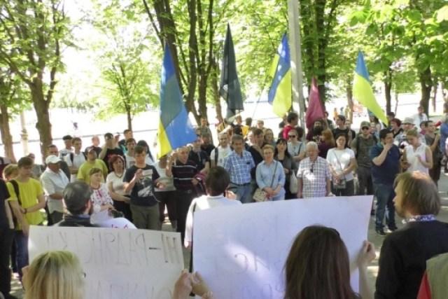 Возле бюста Жукова в Харькове разгорелся скандал
