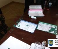 """Во Львове сорвали заседание в мэрии, а зама Садового """"покрасили"""" в зеленый"""