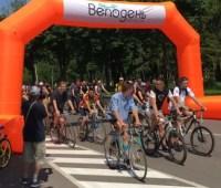 Велодень в Чернигове: самому младшему участнику - 2,5 года, самому старшему - 71