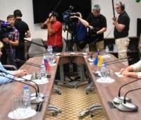 Омбудсмены Украины и РФ договорились создать рабочую группу по освобождению осужденных