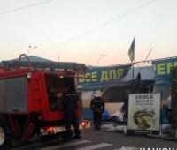 Поджог волонтерской палатки в Харькове: задержанному объявили подозрение
