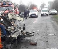На Житомирщине столкнулись грузовик и легковушка, трое погибших