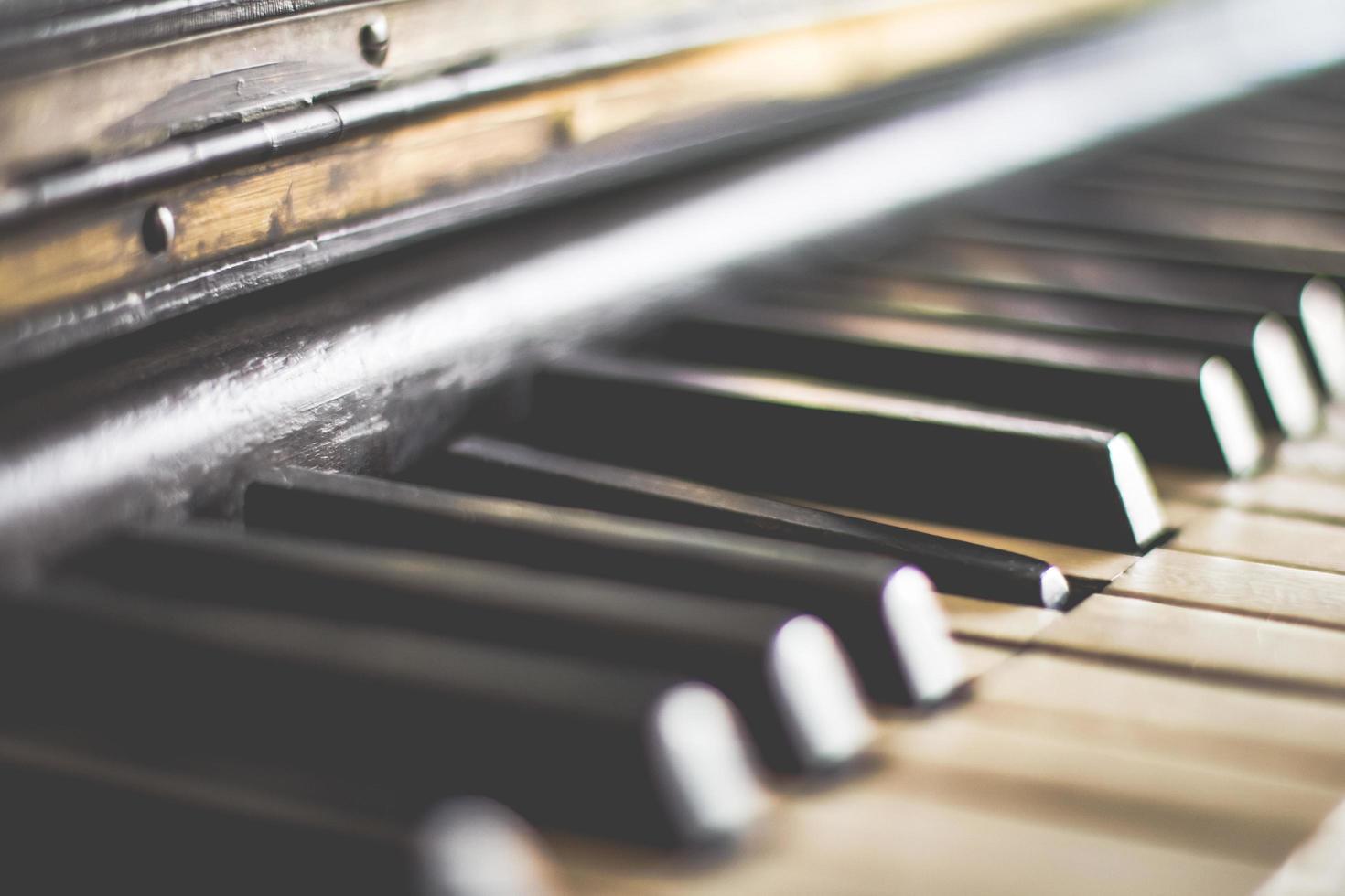 https fr vecteezy com photo 1224498 touches de piano en noir et blanc