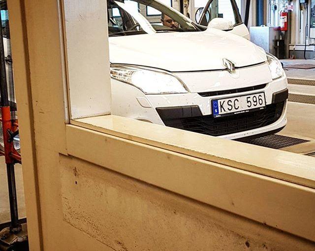 Besiktning idag på morgonen #besiktning #bilprovning