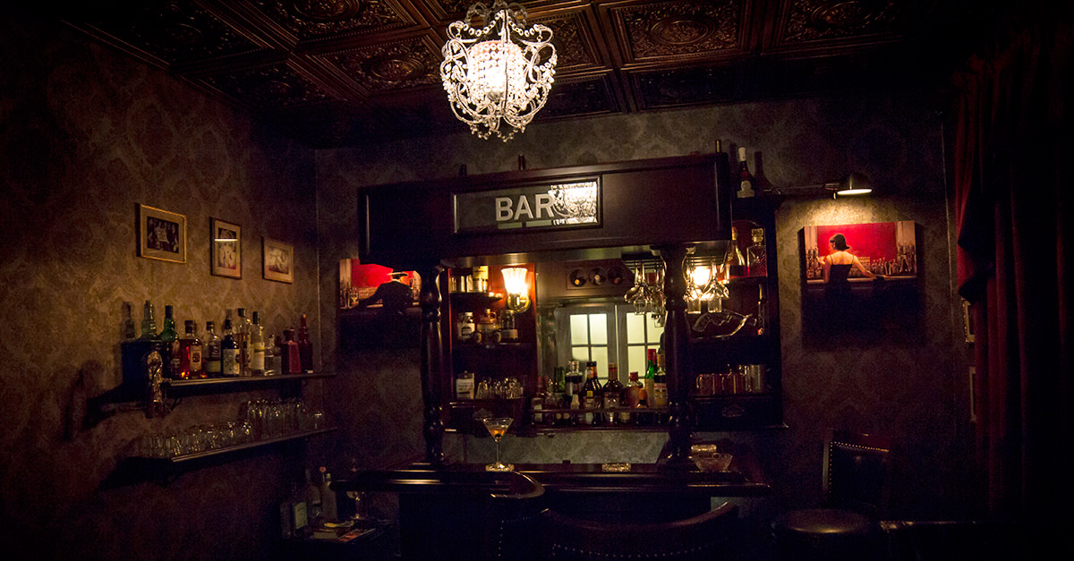 This Guy Built A Speakeasy Bar In His Suburban Home VinePair