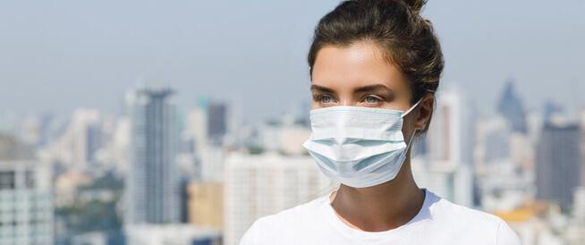 هل ينتقل فيروس الكورونا الجديد عن طريق التنفس أو التحدث؟