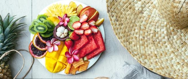 قائمة بأفضل الأطعمة الصيفية الخارقة