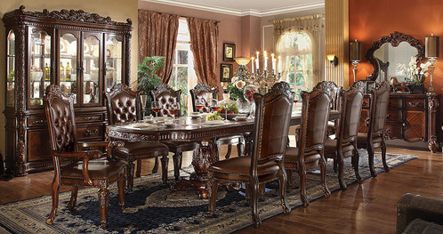 Stylish traditional dining room set Table   8 leather Chairs  Daisy