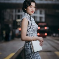 #QIPAO #旗袍 #Cheongsam | #HongKong #香港 #FashionLookBook | #嫣裳記 #YanShangKee – #QipaoRental reliving yours elegant nostalgic Hong Kong photographic moments….