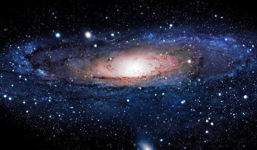 Sabías que la Vía Láctea se mueve por el Universo a más de 2 millones de km/h, impulsada por un vacío extra galáctico?
