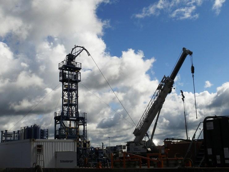 Shale gas hydraulic fracking equipment