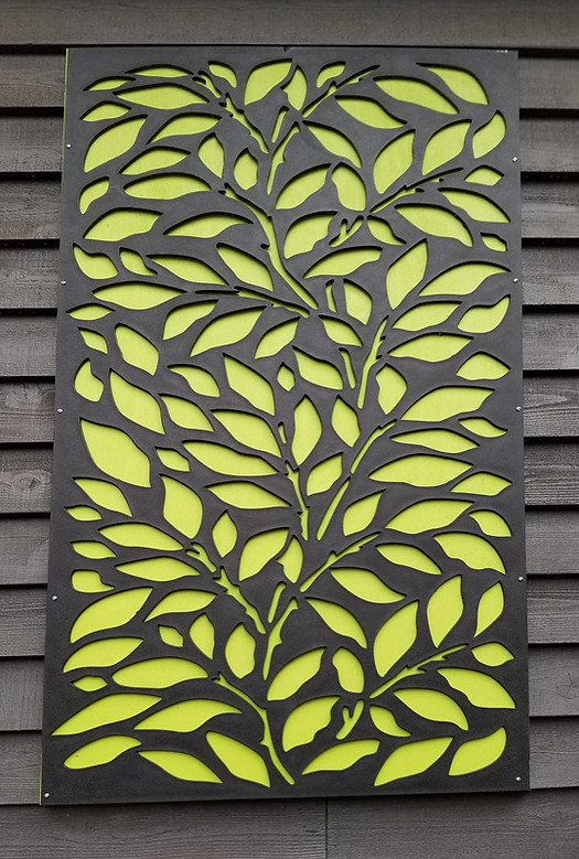 Outdoor decorative screen hack   Ferny Hill Retreat