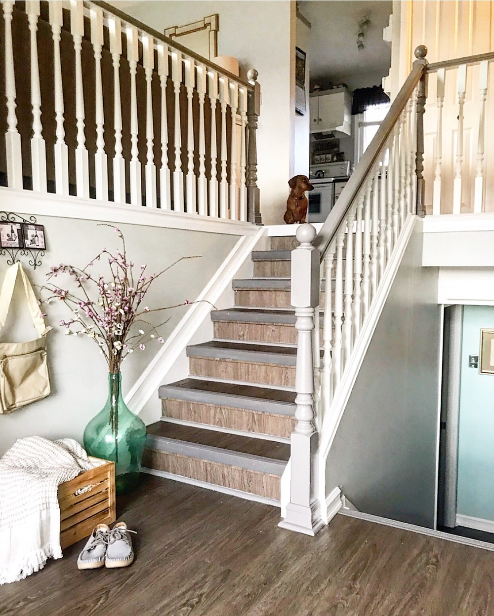 How To Paint Stair Spindles The Easy Way | Two Tone Stair Railing | White | Indoor | Antique | Mansion | Country Style