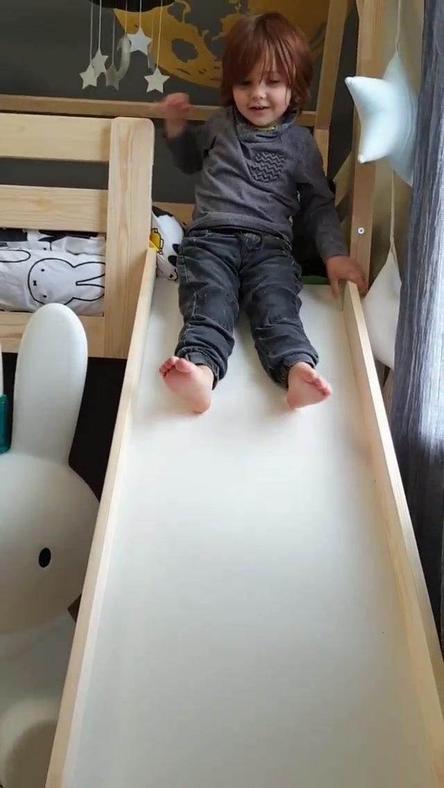 lit maison piloti avec toboggan