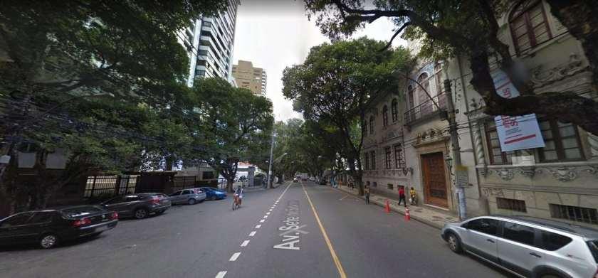 Trecho do Corredor da Vitória em frente ao Museu de Arte da Bahia