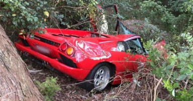 Lamborghini Diablo Totaled Just Hours After Purchase