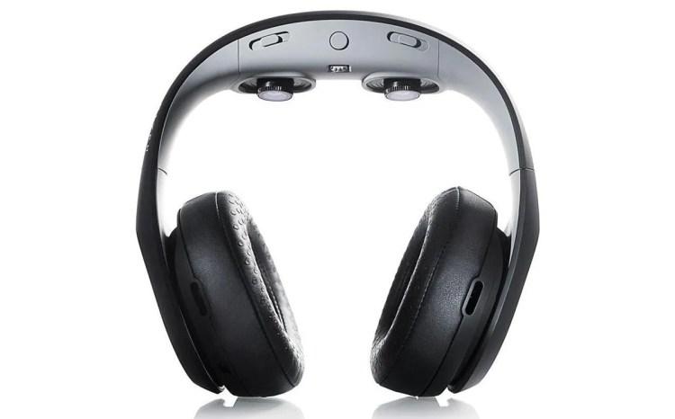 Avegant 的 Glyph 视频耳机处于翻转位置