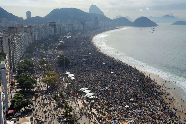 http://www.mirror.co.uk/news/world-news/three-million-people-gather-rio-2100413