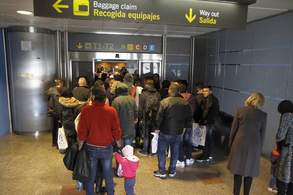 Resultado de imagen de aeropuerto de barajas refugiados asilo