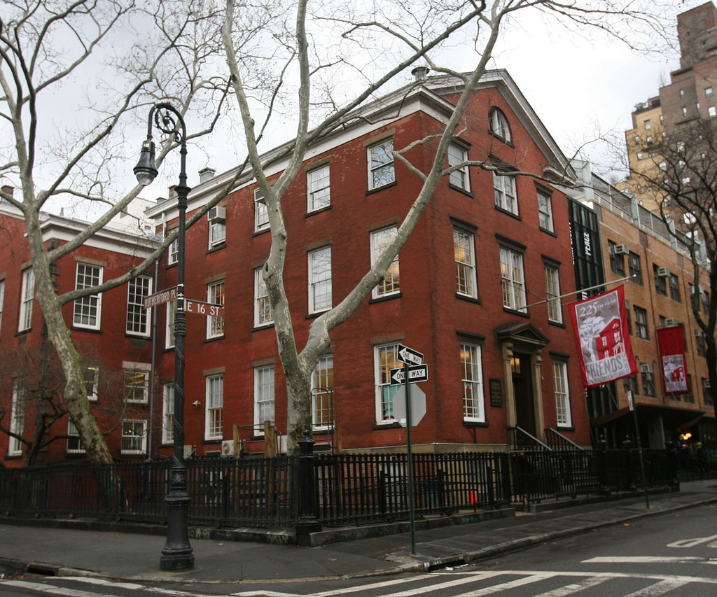 N Y Quakers May Cut 225 Year Old Ties With Friends