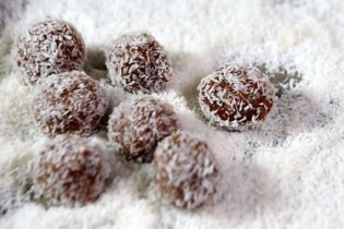Tired of making the same old haroseth for Passover? Melissa Clark adds a new twist with a recipe for Sephardic haroseth truffles.