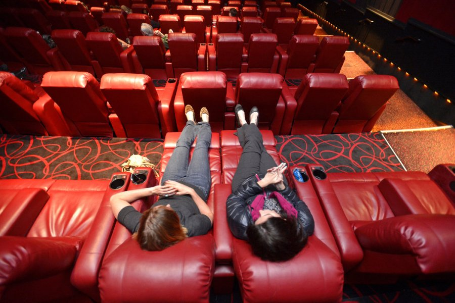 AMC Theaters Lure Moviegoers With Cushy Recliners   The New York Times AMC Theaters Lure Moviegoers With Cushy Recliners