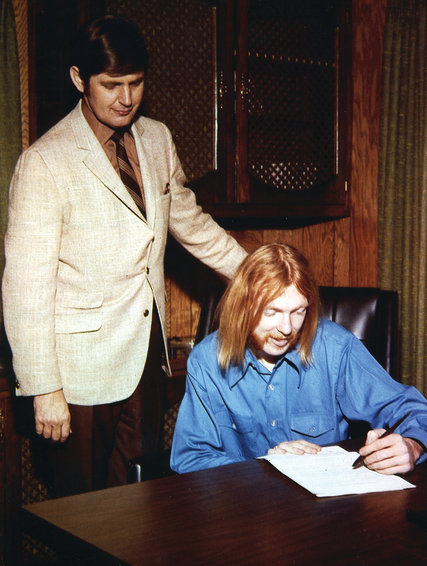 22RICKHALLJP1 blog427 - Rick Hall, Music Producer Known for Muscle Shoals Sound, Dies at 85