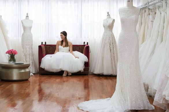 Designer Gowns Without the Wait or Drama   The New York Times Image