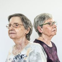 2 Survivors of Canada's First Quintuplet Clan Reluctantly Re-emerge by IAN AUSTEN