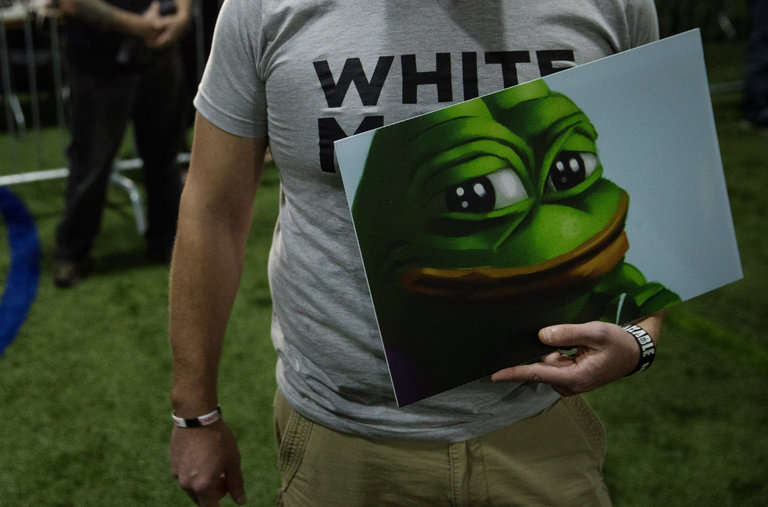 Hong Kong Protesters Love Pepe The Frog No They Re Not Alt Right