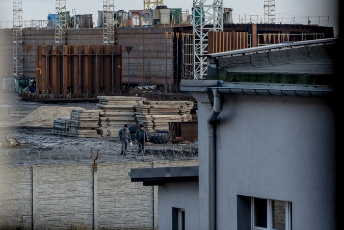 merlin 131203085 aad19b87 9b9f 4e43 945e 8ca966a09032 master675 - Even in Poland, Workers' Wages Flow to North Korea