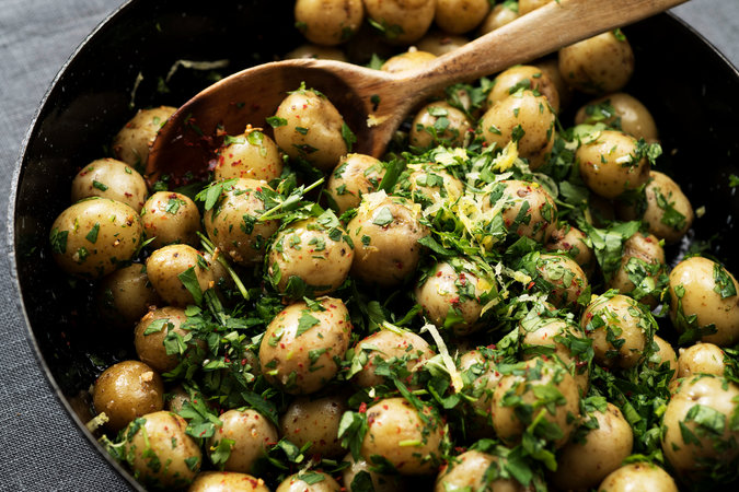 merlin 133154187 c12a7285 c71b 47db a007 65aa6d01ed08 master675 - City Kitchen: Meat and Potatoes Made Magical