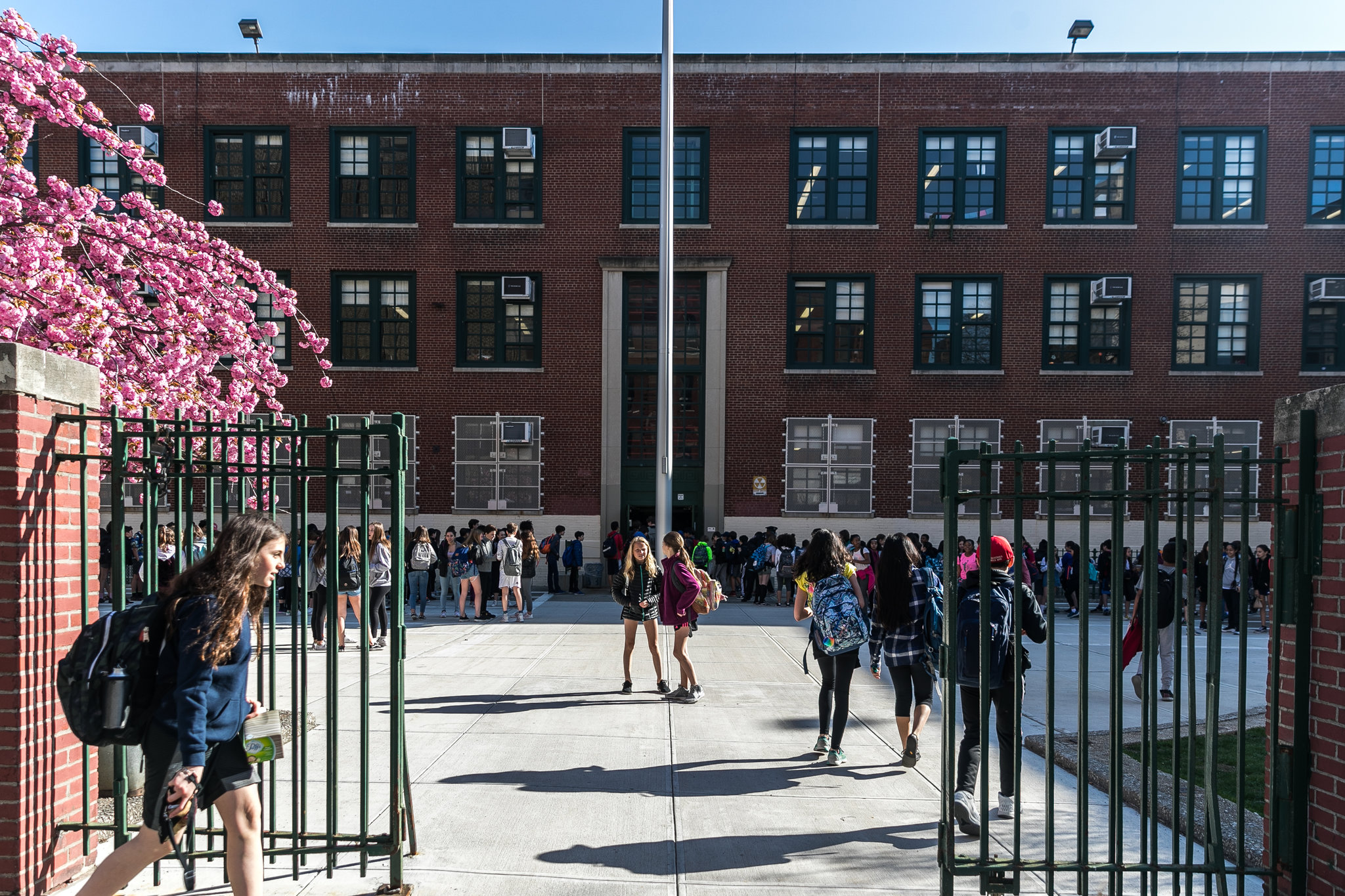 First Test For New York Chancellor A Middle School