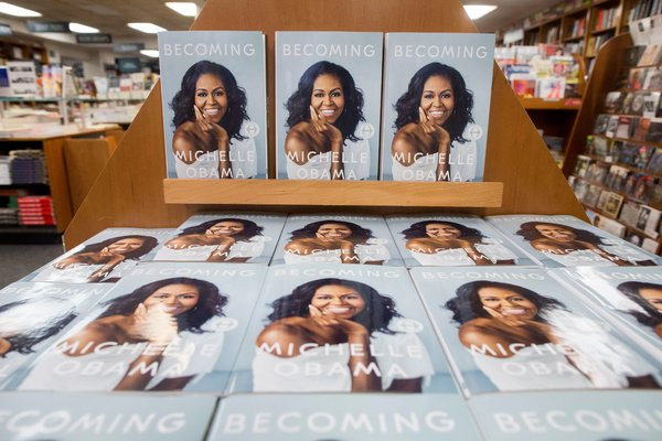 Michelle Obama S Becoming Finally Hits Shelves The New