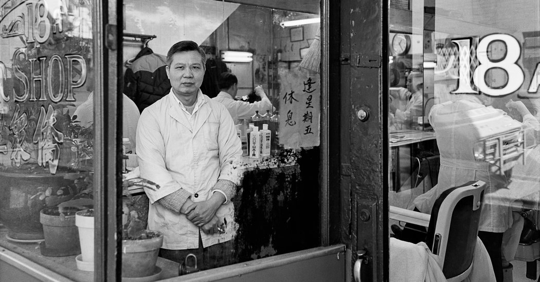 Intimate Photos of Community and Resilience in New York's Chinatown in the 1980s