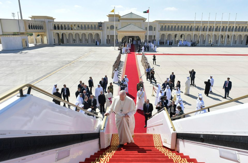 Pope Acknowledges Nuns Were Sexually Abused by Priests and Bishops ...