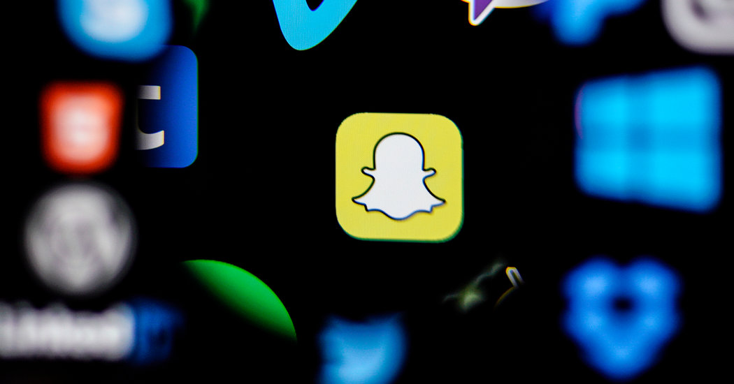 Opinion | Facebook Just Shoplifted Snapchat's Best Idea
