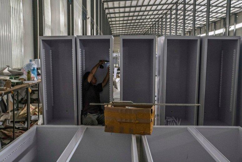 中国山东省一家冰箱厂。研究显示山东及其他一些省份是用以制造泡沫保温材料的某禁用气体的排放源。